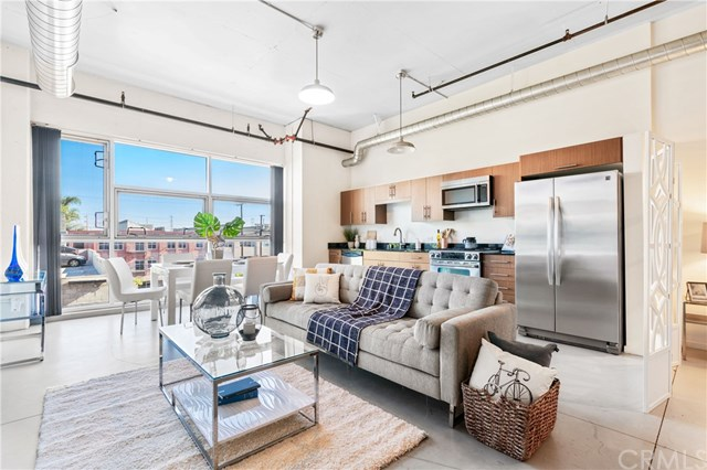 Barker Block Lofts | 510 S HEWITT ST #414 | The Arts